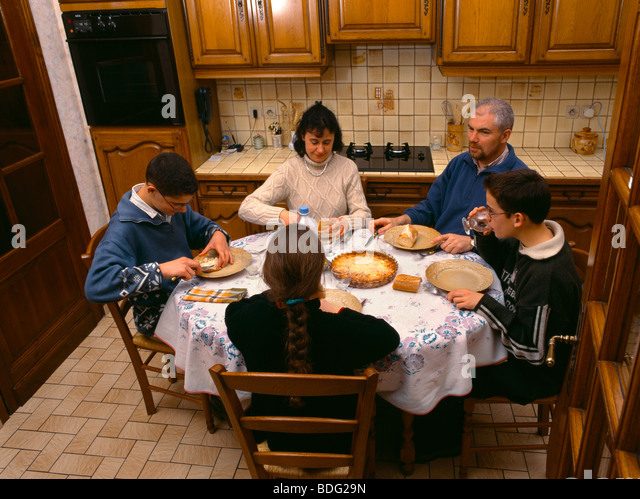 france family dinner stock photos france family dinner stock images alamy. Black Bedroom Furniture Sets. Home Design Ideas