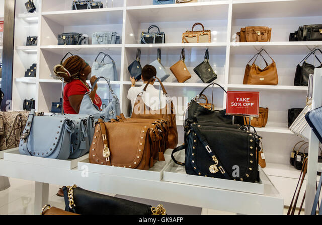 michael kors factory outlet handbags hanq  Florida Ellenton Ellenton Premium Outlets mall shopping center business  retail Michael Kors outlet store women's