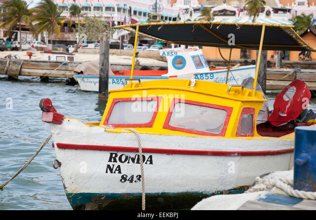 Aruba boat stock photos aruba boat stock images alamy Fishing in aruba