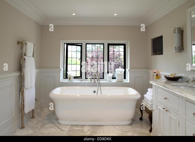 Art Deco/Modern Victorian Style Bathroom   Stock Image