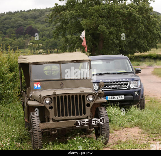 Military Land Rover Discovery 1995: Army Land Rover Jeep Stock Photos & Army Land Rover Jeep