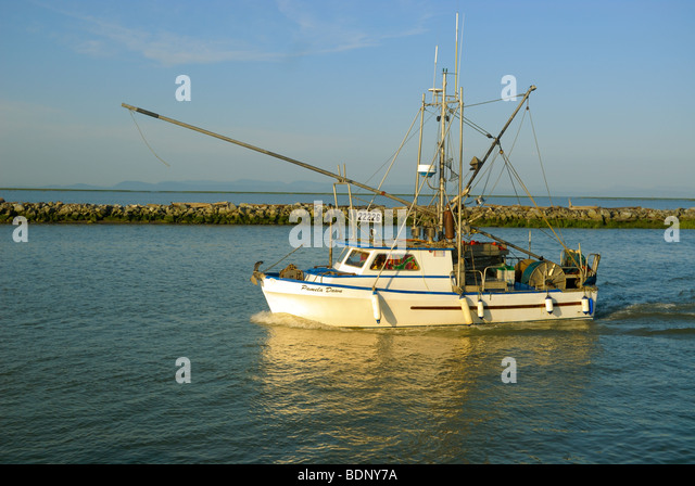 Small commercial fishing boat images for What is commercial fishing