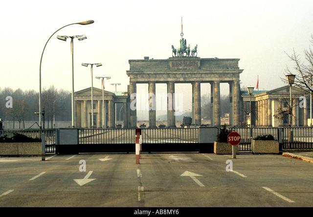 brandenburg gate 1989 - photo #12