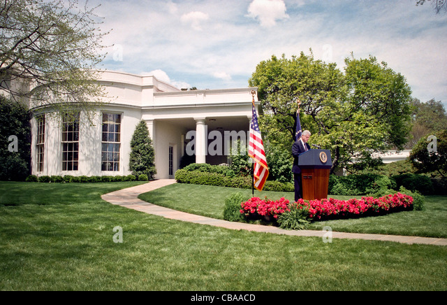 behind the oval office of president clinton Kanye wes went a shocking rant in the oval office, stating that there needs to be a male president wearing a maga hat makes him feel like he has 'superpowers' we have more of the rant here.
