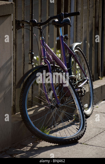 how to fix buckled bike wheel