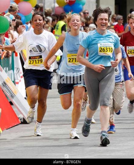 Finish Line Run Woman Stock Photos & Finish Line Run Woman Stock ...