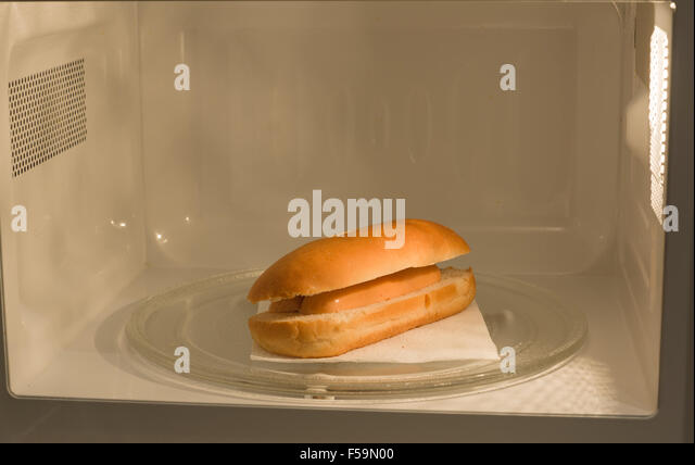 how to cook sausages in the microwave oven