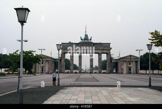 brandenburg gate 1989 - photo #13