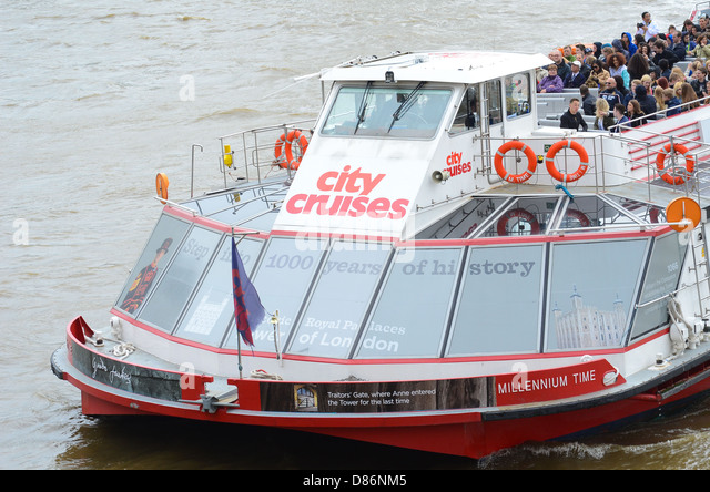Boat On The Thames Stock Photos Amp Boat On The Thames Stock