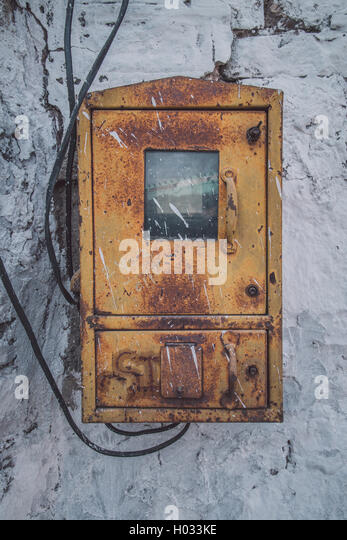 jodhpur india 09 february 2015 old fusebox on white stone wall post h033ke indian fuse box stock photos & indian fuse box stock images alamy old fuse box colours at readyjetset.co