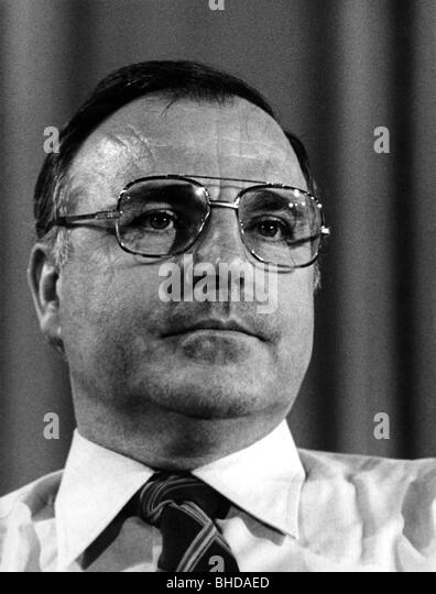 """helmut kohl s ten point plan for german unity Elbe and zoellick were at the center of the negotiations on german unification after the wall came down, in their positions as chief of staff for west german foreign minister hans-dietrich genscher and as lead us negotiator in the """"2+4"""" process, respectively."""