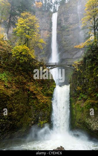 multnomah-falls-columbia-river-gorge-mul