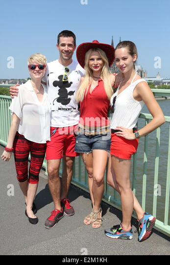 Guest, Jana Julia Kilka, Jo Weil und Nicole Mieth of German TV Series '