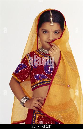 Creative How To Dress Traditional For Dandiya Amp Garba Night During Navratri