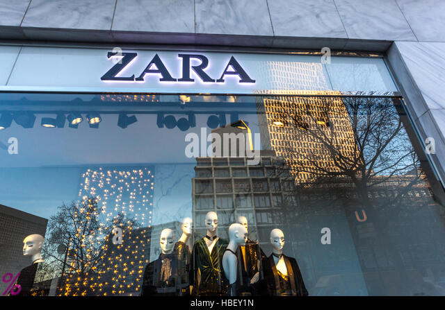 zara window stock photos zara window stock images alamy. Black Bedroom Furniture Sets. Home Design Ideas