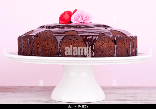 Cake Decoration With Chocolate Syrup : Chocolate Sauce Decoration Stock Photos & Chocolate Sauce ...