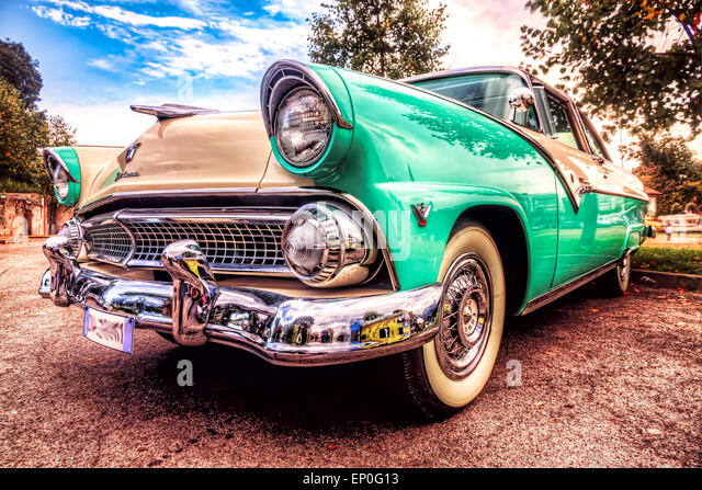 Modern Auto Washington Mo >> Ford Crown Victoria Stock Photos & Ford Crown Victoria Stock Images - Alamy