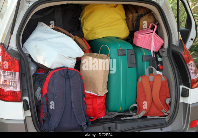 overloaded suitcase stock photos overloaded suitcase stock images alamy. Black Bedroom Furniture Sets. Home Design Ideas
