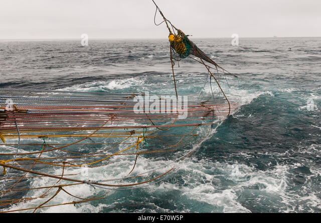 Schleppnetz stock photos schleppnetz stock images alamy for Bering sea fishing