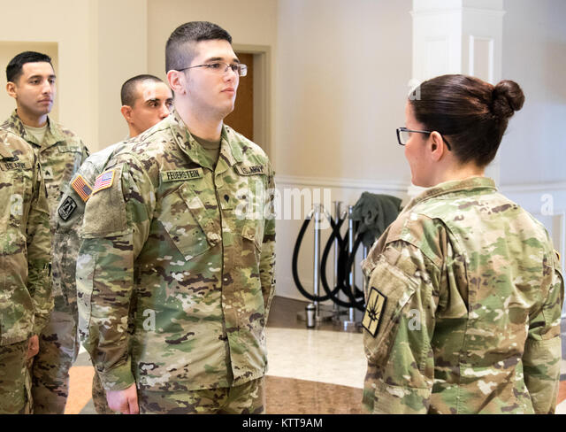 schofield barracks hawaii sgt daven gates a paralegal specialist ...