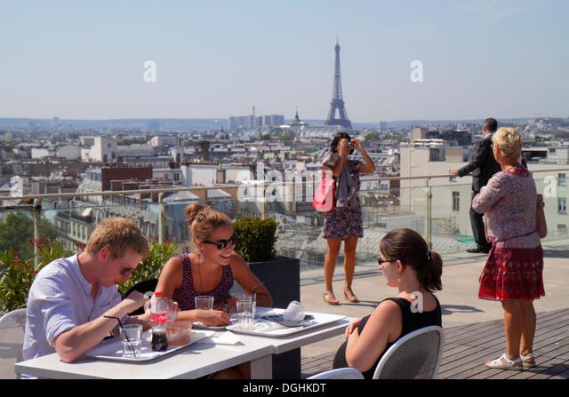 rooftop restaurant paris stock photos rooftop restaurant paris stock images alamy. Black Bedroom Furniture Sets. Home Design Ideas
