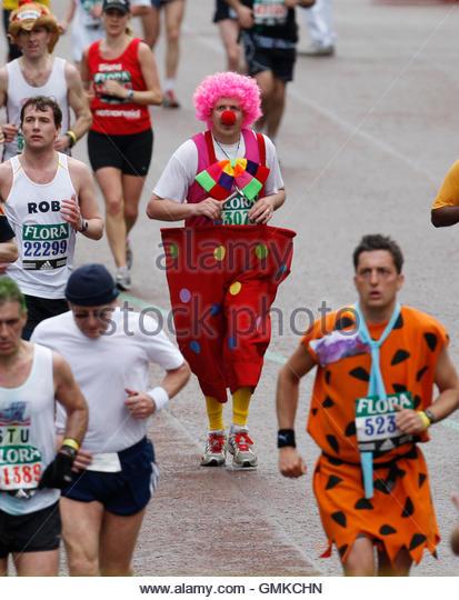London Marathon Finish Line Stock Photos & London Marathon Finish ...