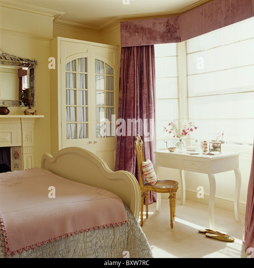 Soft Furnishings Curtains Silk Stock Photos & Soft Furnishings ...