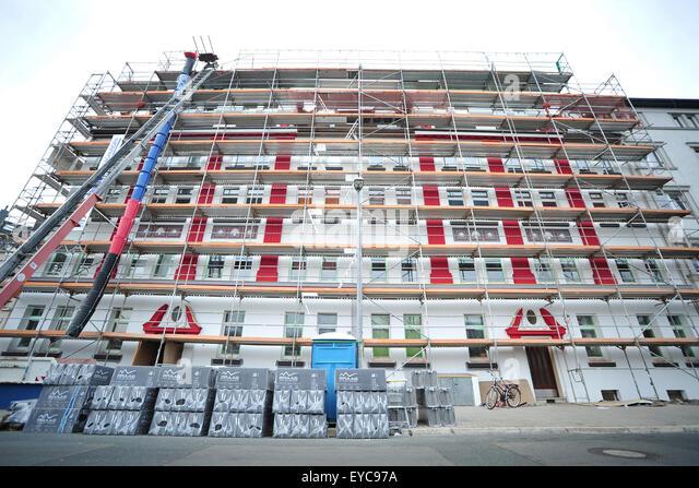 Mehrfamilienhaus stock photos mehrfamilienhaus stock for Mehrfamilienhaus brandenburg