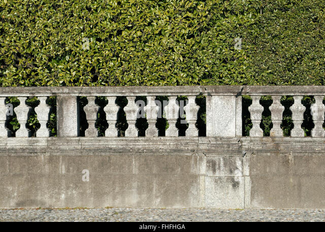 Charmant Hedge And Stone Ornamental Garden Wall   Stock Image