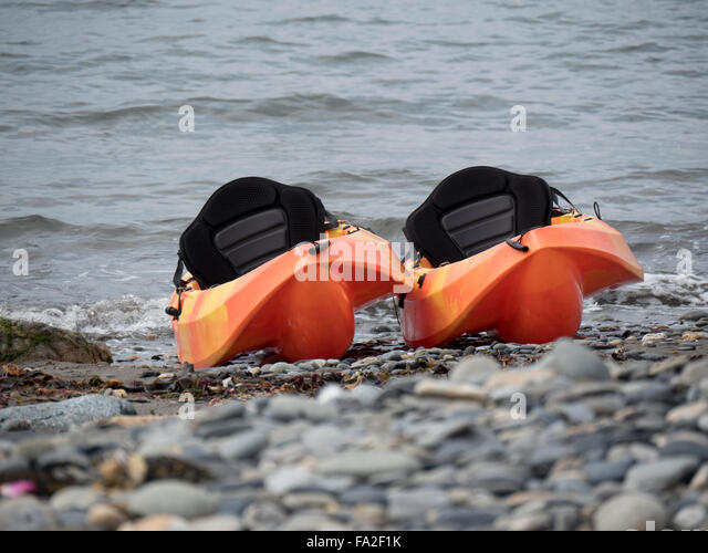 how to put the sits in 2 person kayak sit