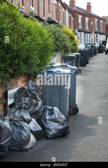 Black rubbish bin stock photos black rubbish bin stock images alamy - Rd rubbish bin ...