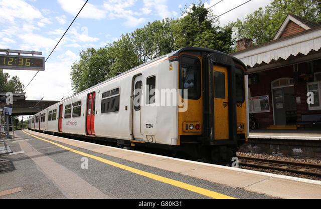 chelmsford lowestoft train