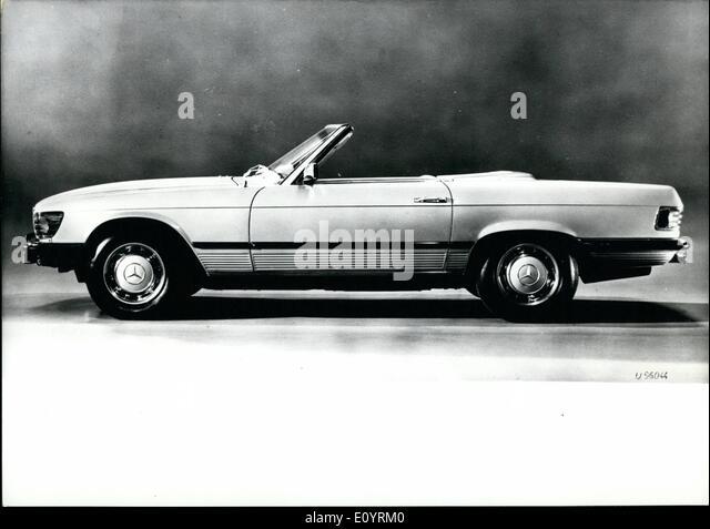 Daimler benz ag stock photos daimler benz ag stock for Mercedes benz 0 apr
