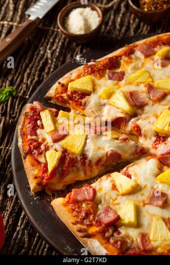 Hawaiian Pizza Stock Photos & Hawaiian Pizza Stock Images - Alamy