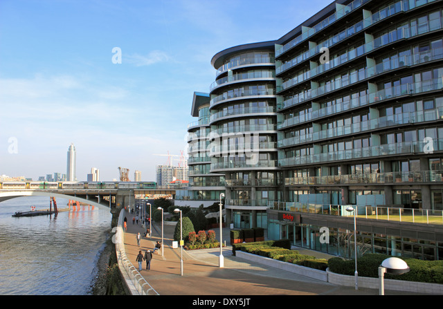 Chelsea Bridge Wharf Luxury Apartments Beside The River Thames, Battersea,  London, UK