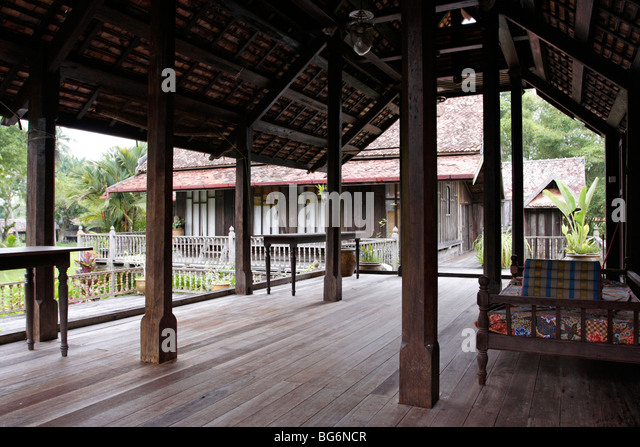 the traditional malay house The traditional malay house is one of the richest components of malaysias cultural heritage the purpose of this study is to understand and analyze traditional.