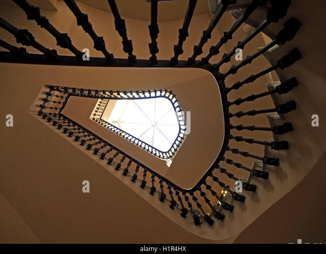 Newel post stock photos newel post stock images alamy for Edificio de correos madrid