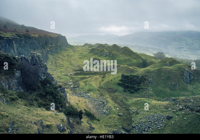 Llangattock escarpment wales stock photos llangattock for Landscape rock quarry alberta