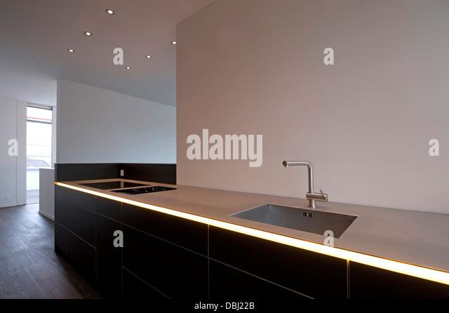 kuche insel modern stock photos kuche insel modern stock. Black Bedroom Furniture Sets. Home Design Ideas