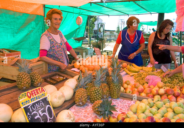 Chile market stock photos chile market stock images alamy for Wholesale fish market los angeles