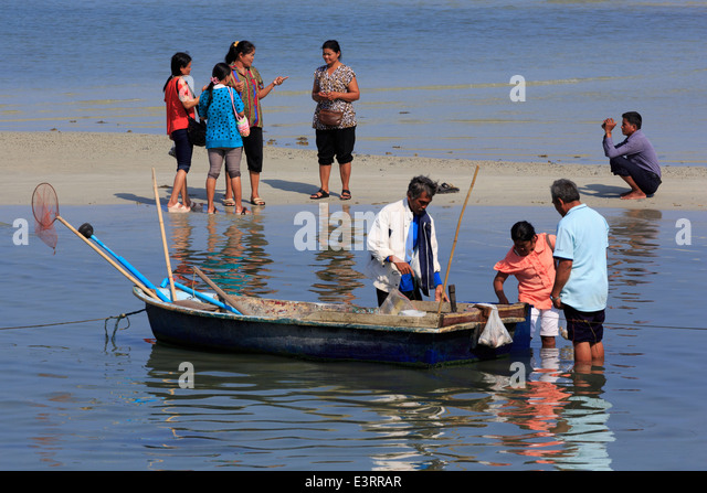 Nathon beach stock photos nathon beach stock images alamy for City island fishing boats