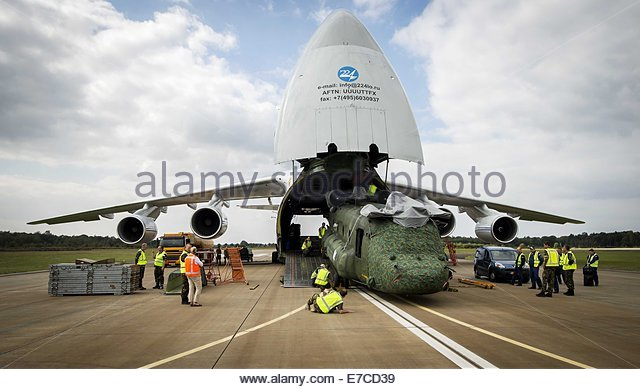 http://l7.alamy.com/zooms/326035c826754461a61f50c6f7e5b407/epa04394302-a-ch-47-chinook-transport-helicopter-of-the-dutch-royal-e7cd39.jpg