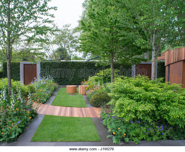 Good THE HOMEBASE URBAN RETREAT GARDEN BY ADAM FROST AT RHS CHELSEA   Stock Image