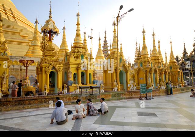Yangun stock photos yangun stock images alamy for Asia famous buildings
