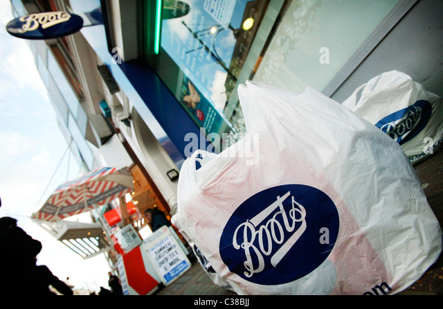 Boots Pharmacy Store Oxford Street Stock Photos & Boots Pharmacy ...