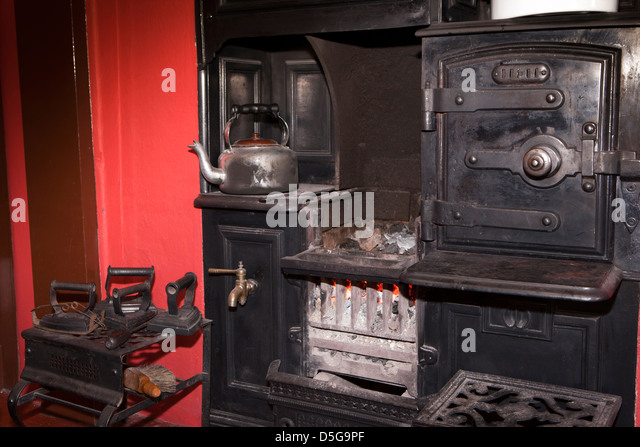 Old Kitchen Range. BECEKK (RM). Isle Of Man, Cregneash, Manx Heritage  Village Folk Museum, Farmhouse, Kettle On