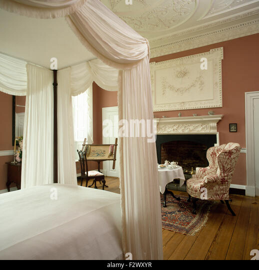 Four Poster Bed With Curtains Stock Photos & Four Poster