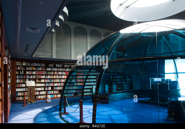Seminarian stock photos seminarian stock images alamy for Domus design center