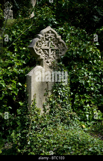 Extra mural stock photos extra mural stock images alamy for Extra mural cemetery brighton