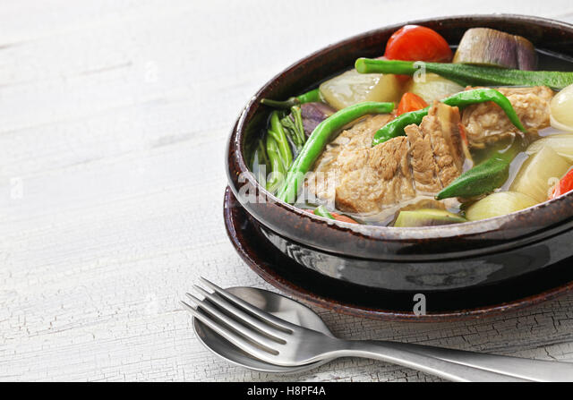 how to cook sinigang na baboy tagalog